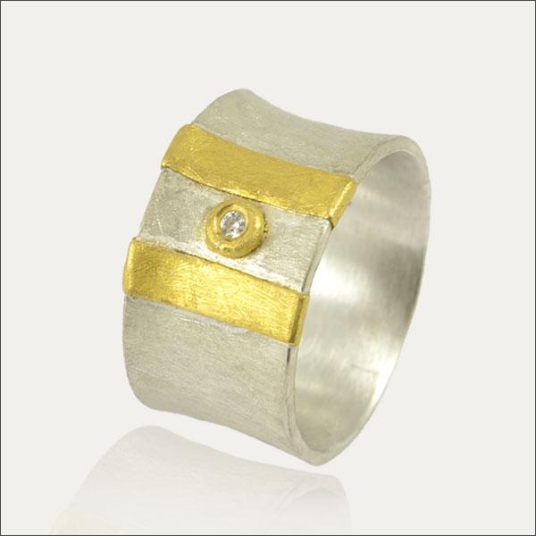 ring silber silver feingold gold finegold brillant hammered schmuck goldschmiede freiburg handmade handarbeit