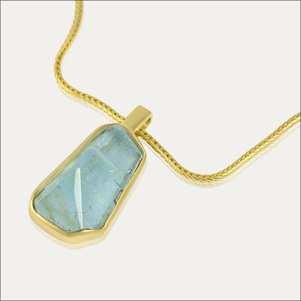 aquamarin aqua blau blue pendant anhänger schmuck handmade handarbeit goldschmiede freiburg