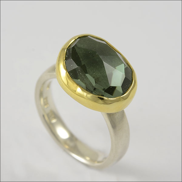 prasiolith ring silber silver gold feingold finegold handmade handarbeit goldschmiede freiburg schmuck grün green