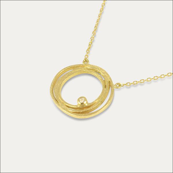 kollier collier pendant anhänger gold brillant schmuck handmade handarbeit goldschmiede freiburg