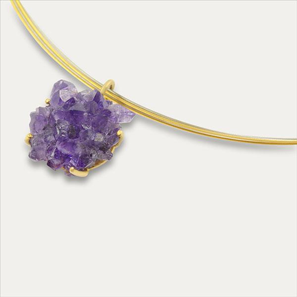 amethyst kristall anhänger pendant lila purple violett gold handmade handarbeit schmuck