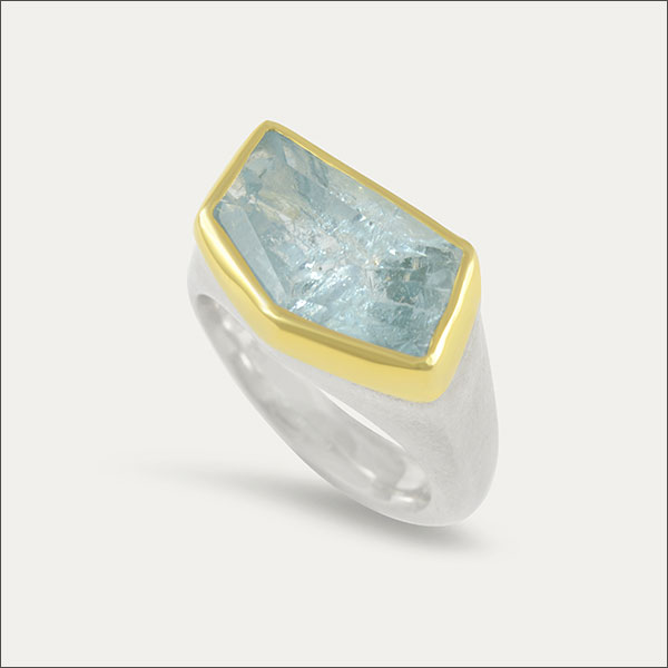 aquamarin aquamarine aqua ring gold blau blue schmuck handmade handarbeit goldschmied freiburg