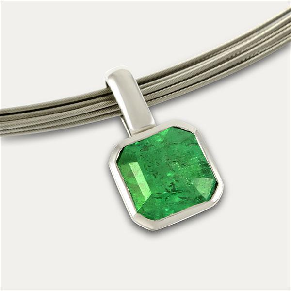 smaragd emerald anhänger pendant weißgold whitegold grün green handmade handarbeit schmuck