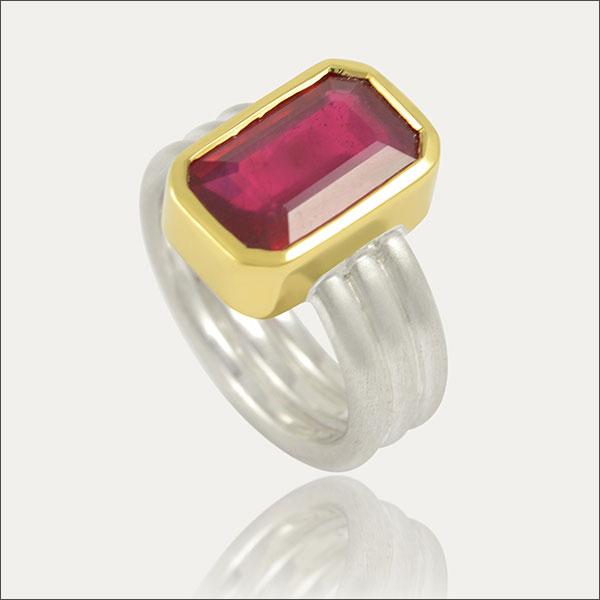 rubin ring rubinring ruby red rot gold silber silver handmade schmuck handarbeit goldschmiede freiburg