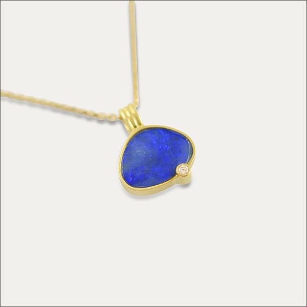 opal anhänger pendant blue blau gold brillant schmuck handmade handarbeit goldschmied freiburg