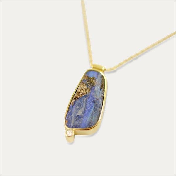 opal anhänger pendant gold brillant blau blue schmuck handmade handarbeit goldschmied freiburg