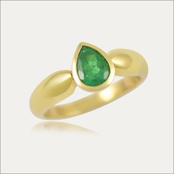 smaragd emerald ring gold grün green schmuck handmade handarbeit goldschmied freiburg