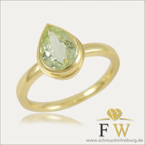turmalin tourmaline ring gold green grün weiß white schmuck handmade handarbeit goldschmied freiburg