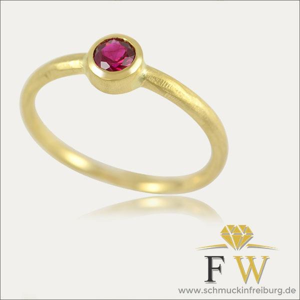 rubin ring ruby rot red gold schmuck handmade handarbeit goldschmied freiburg