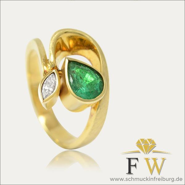 smaragd emerald ring grün green gold diamant diamond schmuck handmade handarbeit goldschmied freiburg