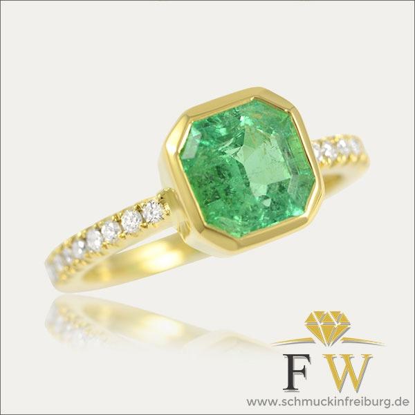 smaragd emerald ring grün green gold brillant schmuck handmade handarbeit goldschmied freiburg