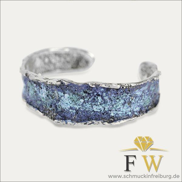 armreif bracelet blau blue silber silver pigmente pigments schmuck handmade handarbeit goldschmied freiburg