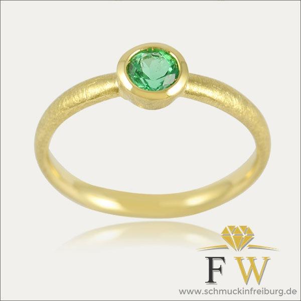 smaragd ring emerald grün green gold schmuck handmade handarbeit goldschmied freiburg