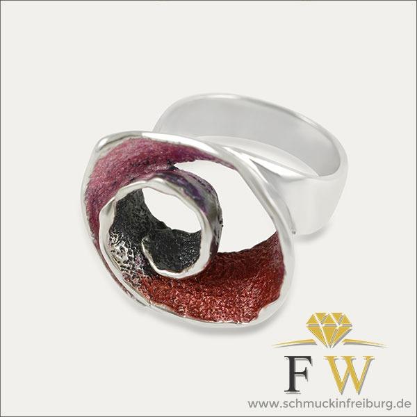 silber silver ring blume flower rot red schmuck handmade handarbeit goldschmied freiburg