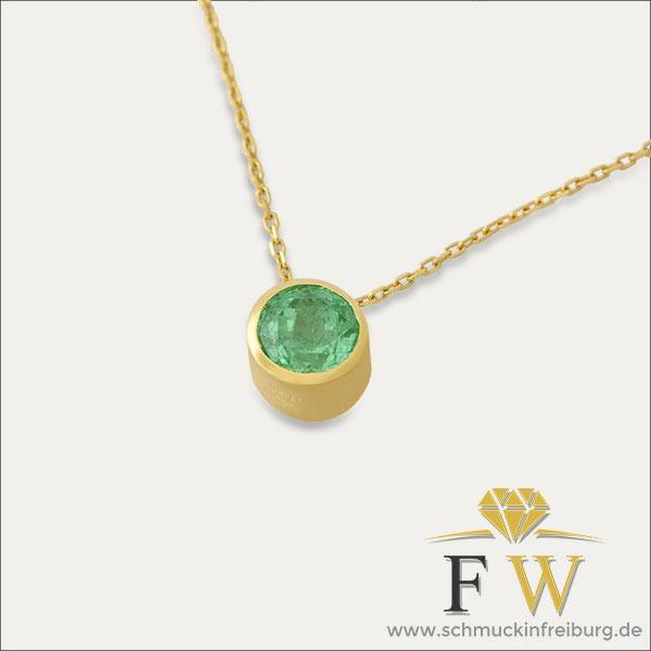 smaragd anhänger grün emerald gold pendant green schmuck handmade handarbeit goldschmied freiburg